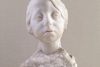 Девочка. (Манька). После 1904. Голова. Мрамор, гипс. 35,5 x 23 x 17