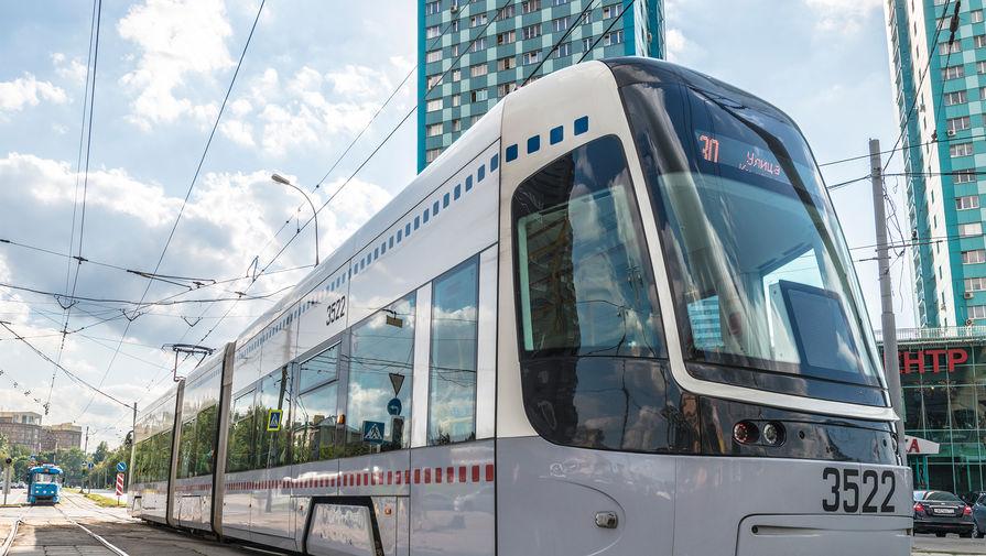 В Екатеринбурге трамвай задавил насмерть девочку, ехавшую на сцепке между вагонами