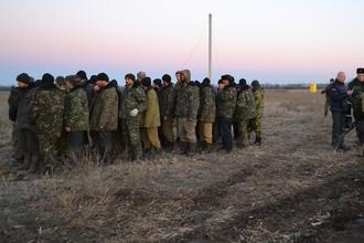 Обмен пленными между военными ДНР, ЛНР и украинскими силовиками под Луганском, 2015 год