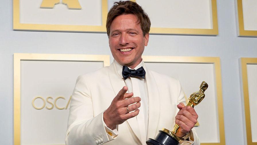 Номинация <b>&laquo;Лучший фильм на иностранном языке&raquo; </b>&mdash; <b>«Ещё по одной»</b> (Дания). На фото режиссер Томас Винтерберг