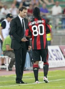 Наставник «Милана» Массимилиано Аллегри и не забивший пенальти Роналдиньо