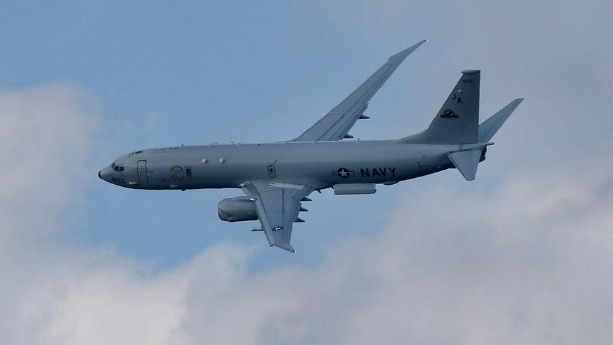 «Оттесняем разведчиков»: Су-35 приблизился к самолету ВМС США