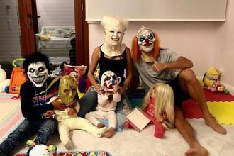 Жуткие клоуны и пожарные: Роналду и Овечкин отметили Хеллоуин