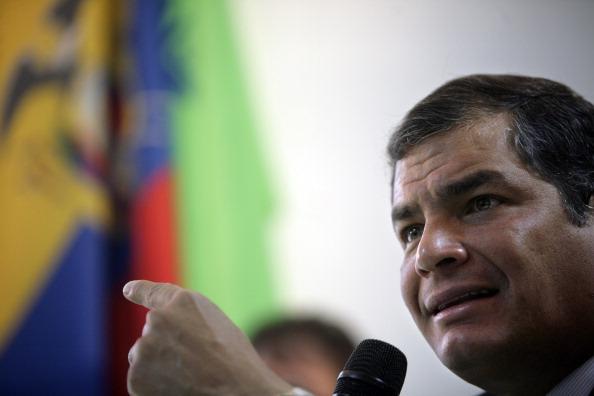 Президент Эквадора Рафаэль Корреа будет говорить с президентом России Владимиром Путиным о покупке...