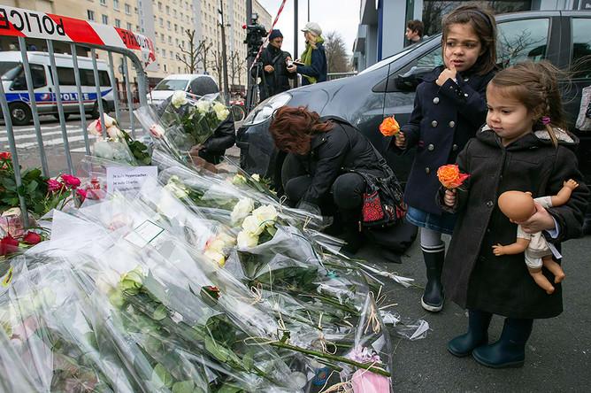 Марш в память о жертвах терактов в Париже