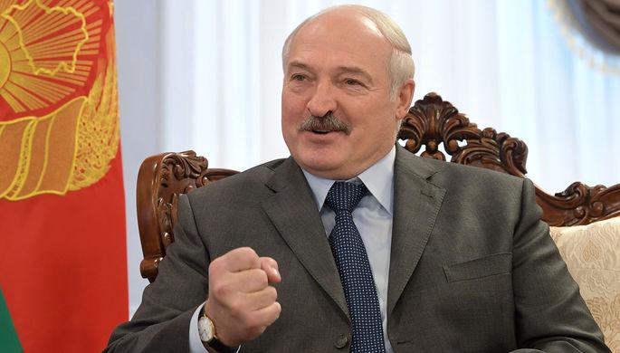 «Не будем бряцать оружием»: Лукашенко не простит танки США в Литве