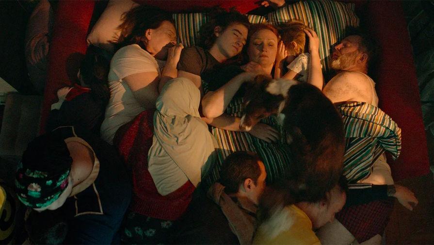 Кадр из фильма «Я не шучу» (2021)