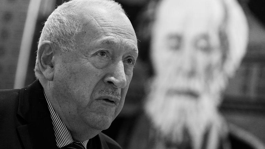 Художник Таир Салахов умер от воспаления легких