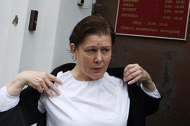 Бывший директор Библиотеки украинской литературы в Москве Наталья Шарина после оглашения приговора
