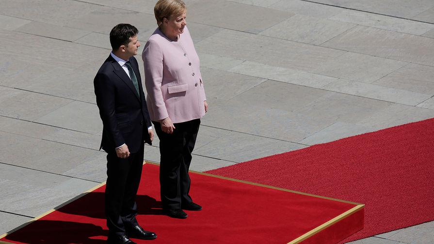 Близка к обмороку: как Меркель трясло на встрече с Зеленским