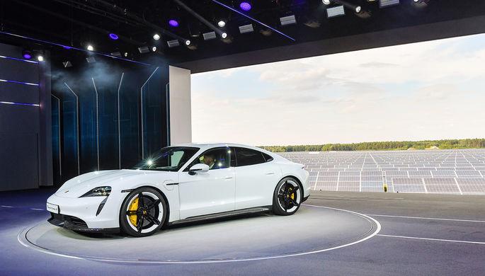 Презентация Porsche Taycan в Нойхарденберге, сентябрь 2019 года