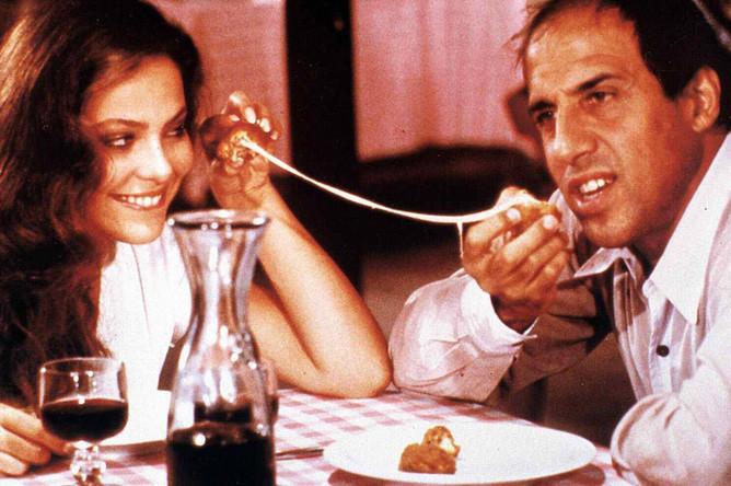 Орнелла Мути и Адриано Челентано в фильме «Безумно влюбленный» (1981)