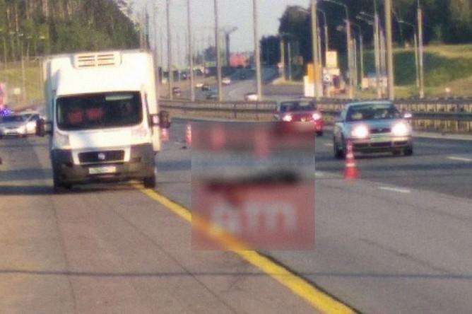 Последствия аварии с участием мотоцикла и грузового автомобиля на трассе М4 «Дон», 10 июня 2019 года