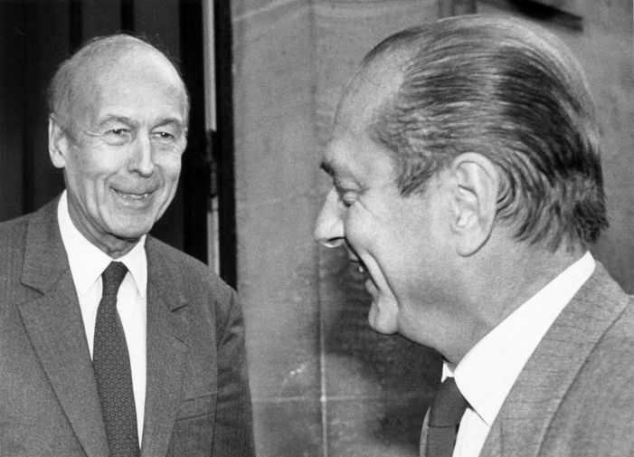 Бывший президент Франции Жискар д'Эстен и премьер-министр страны Жак Ширак в Париже, 1988 год