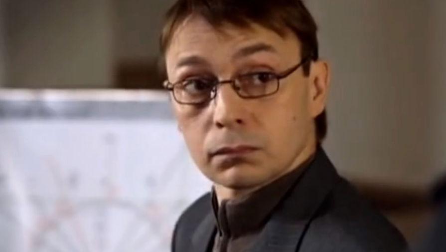Артем Тынкасов в сериале «Здесь кто-то есть-2» (2011)