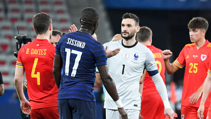 Уго Льорис в матче Франция- Уэльс