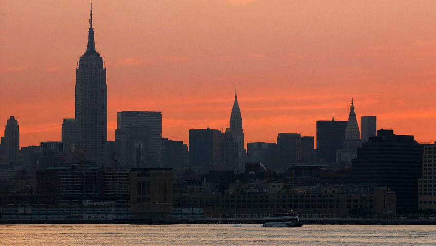 Вид на Нью-Йорк во время восхода солнца, 15 августа 2003 года