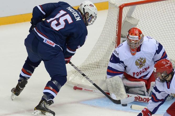 Вратарь сборной России Шестеркин стал одним из героев матча открытия юношеского чемпионата мира