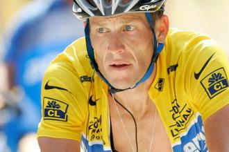 Лэнсу Армстронгу придется вернуть $10 млн за то, что он употреблял допинг