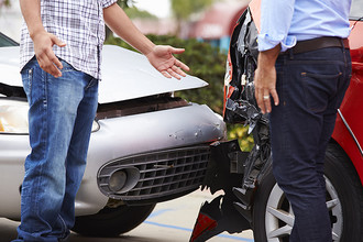 Автомобилистам разрешили требовать возмещение ущерба с виновника ДТП