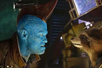 Майкл Рукер в роли бандита Йонду. Кадр из фильма «Стражи Галактики. Часть 2» (2017)