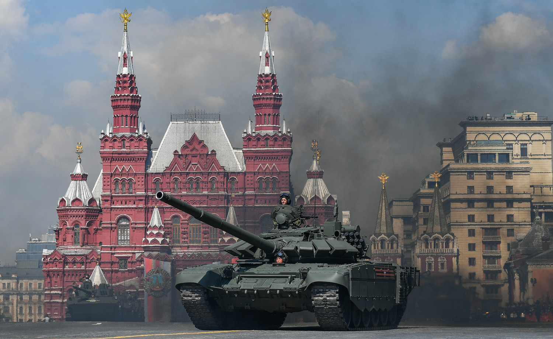Танк Т-72Б3 во время генеральной репетиции военного парада Победы, 7 мая 2019 года