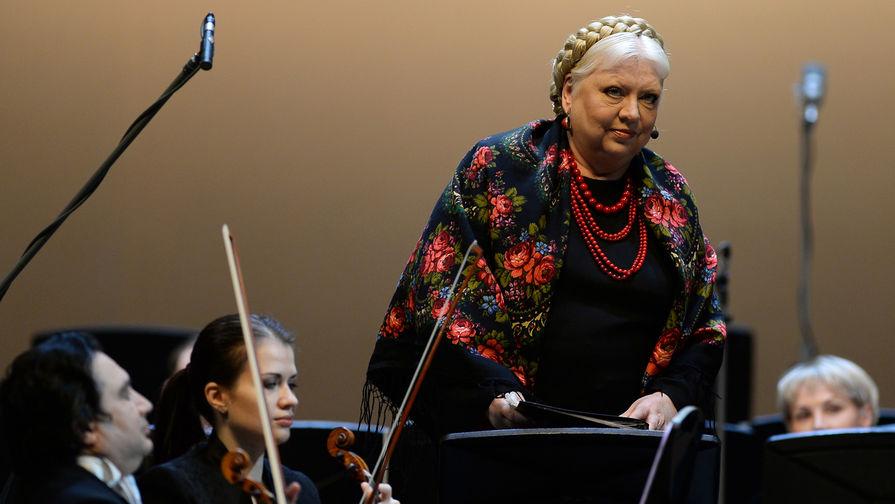 Актриса Светлана Крючкова выступает на концерте в честь юбилея Леонида Десятникова в Концертном зале имени Петра Ильича Чайковского в Москве, 2015 год