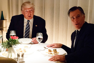 Дональд Трамп и Митт Ромни на ужине
