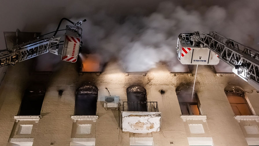 Появилось видео осмотра горевшего в центре Москвы дома