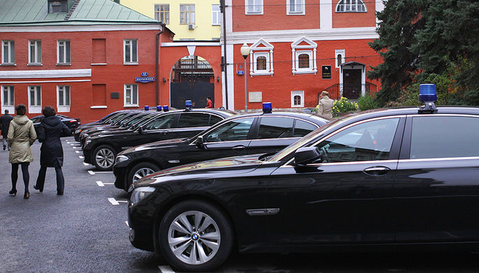 BMW чиновников починят с размахом