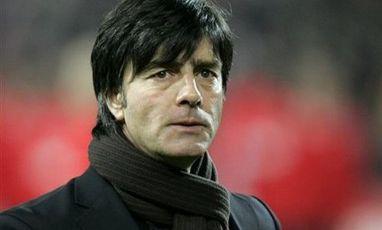 Немецкий тренер по футболу лев