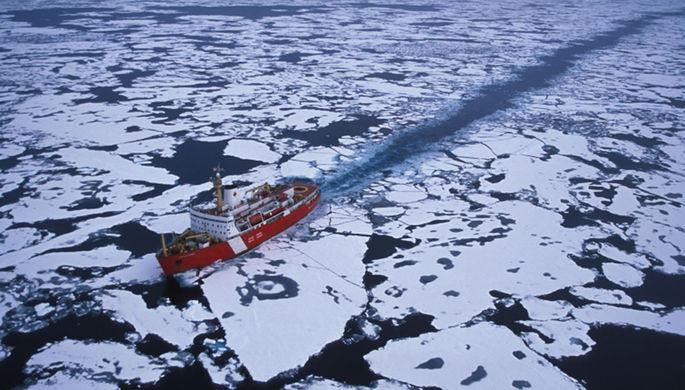 Потеснить Россию и Китай: Трамп создает ледокольный флот