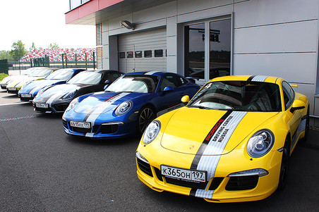 ���� ������� � ����� ������ ������������� ���������� Porsche