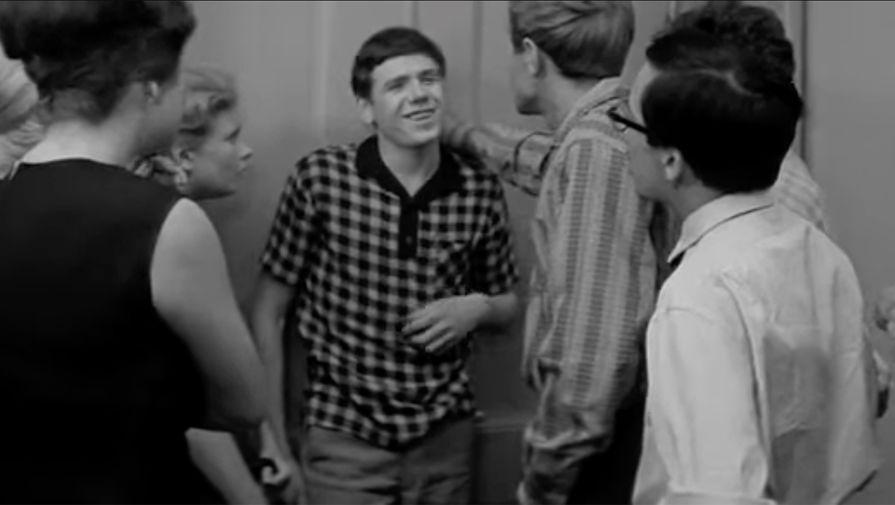 Дебют Ильичева на большом экране состоялся еще в студенческие годы, когда он сыграл запоминающуюся эпизодическую роль абитуриента в фильма «Старшая сестра» Георгия Натансона. Фильм с Татьяной Дорониной в главной роли вышел 6 марта 1967 года.