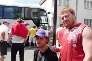 Кирилла Князева (справа) не миновали проблемы после сбора в Чехии