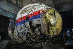Специалисты изНидерландов смогли восстановить 20метров носовой части самолета, чтобы провести расследование опричинах крушения самолета