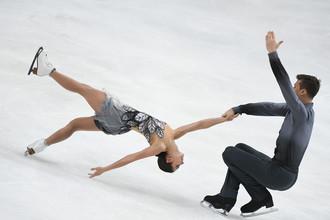 Россияне Наталья Забияко и Александр Энберт в произвольной программе парного катания
