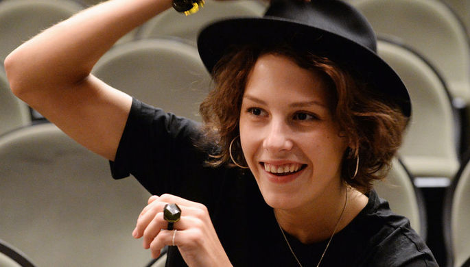 Актриса Ирина Горбачева во время сбора труппы театра «Мастерская Петра Фоменко» в Москве, 2014 год