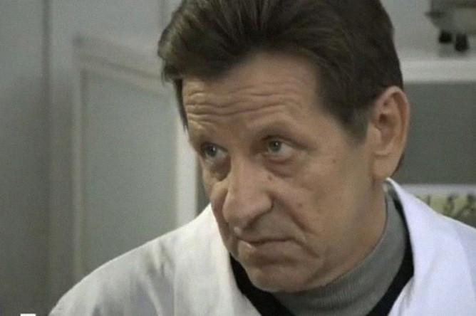 Олег Треповский в сериале «Порох и дробь» (2013)