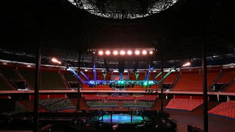 Пустая арена турнира UFC