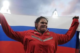 Дарья Пищальникова после того, как выиграла серебро на Олимпийских играх в Лондоне