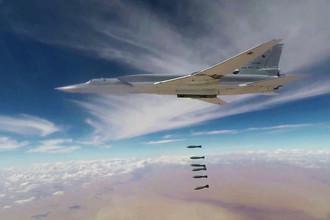 Скриншот из видео ударов бомбардировщиков Ту-22М3 ВКС России по объектам в Сирии. Кадры опубликованы Минобороны России 1 ноября 2017 года