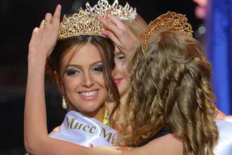 Мисс Москва Оксана Воеводина во время конкурса красоты «Мисс Москва», июнь 2015 года