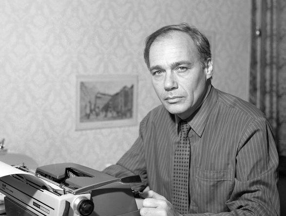 Политический обозреватель Всесоюзного радио и Центрального телевидения Владимир Познер, 1983 год