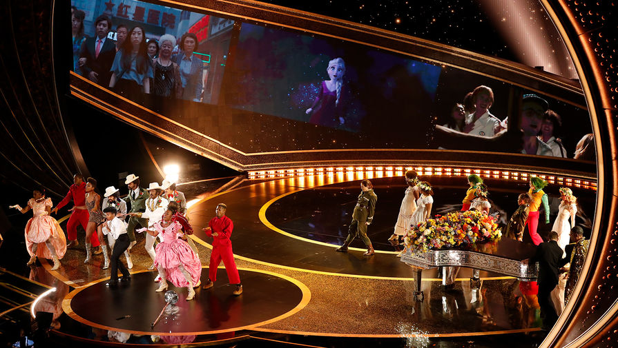 Жанель Монэ во время выступления на церемонии вручения кинопремии «Оскар» в Лос-Анджелесе, 9 февраля 2020 года