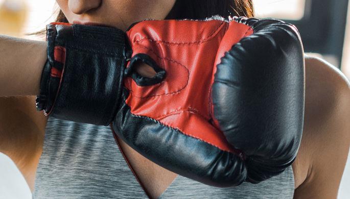 Избила сожителя: девушка-боксер умерла в полиции