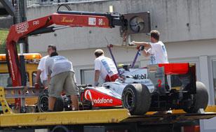 Хэмилтон покидает гонку
