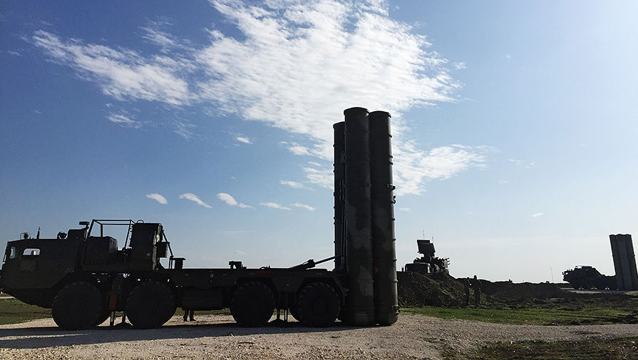 США угрожают санкциями за покупку оружия у России и Китая
