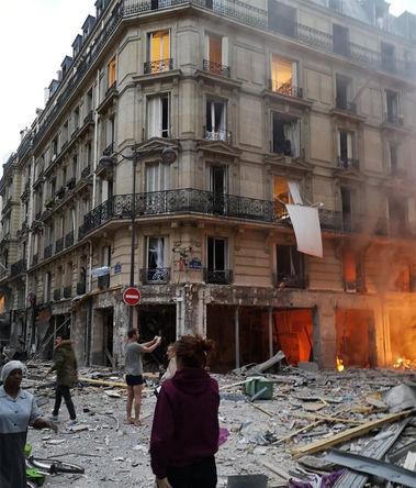 Последствия взрыва в пекарне на улице Тревизе, Париж, 12 января 2018 года