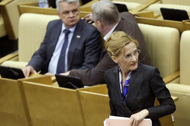 Депутат ГД РФ Ирина Яровая на пленарном заседании Госдумы РФ